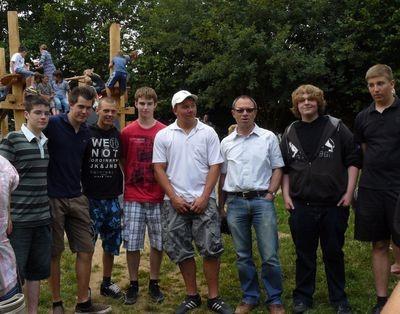 Das ist das Team der Hauptschule mit seinem Lehrer Thomas Löhr.
